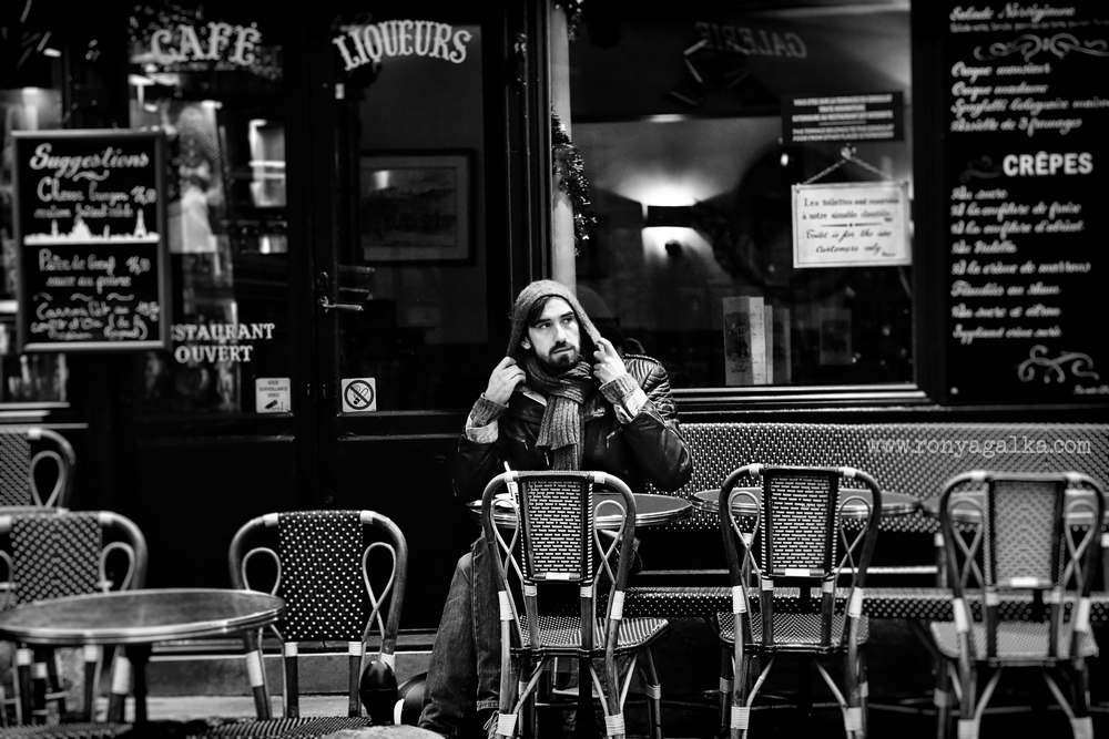 Street photography paris in black and white